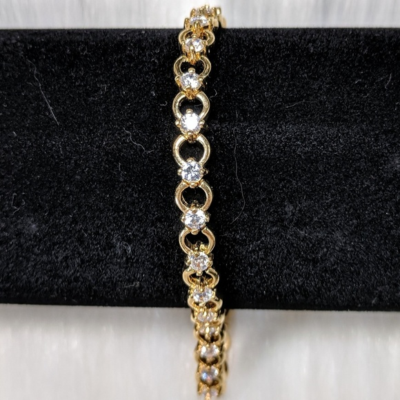 Jewelry - Chainlink Bracelet with Crystals